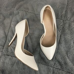Juicy Couture Cyra white half d'orsay heels